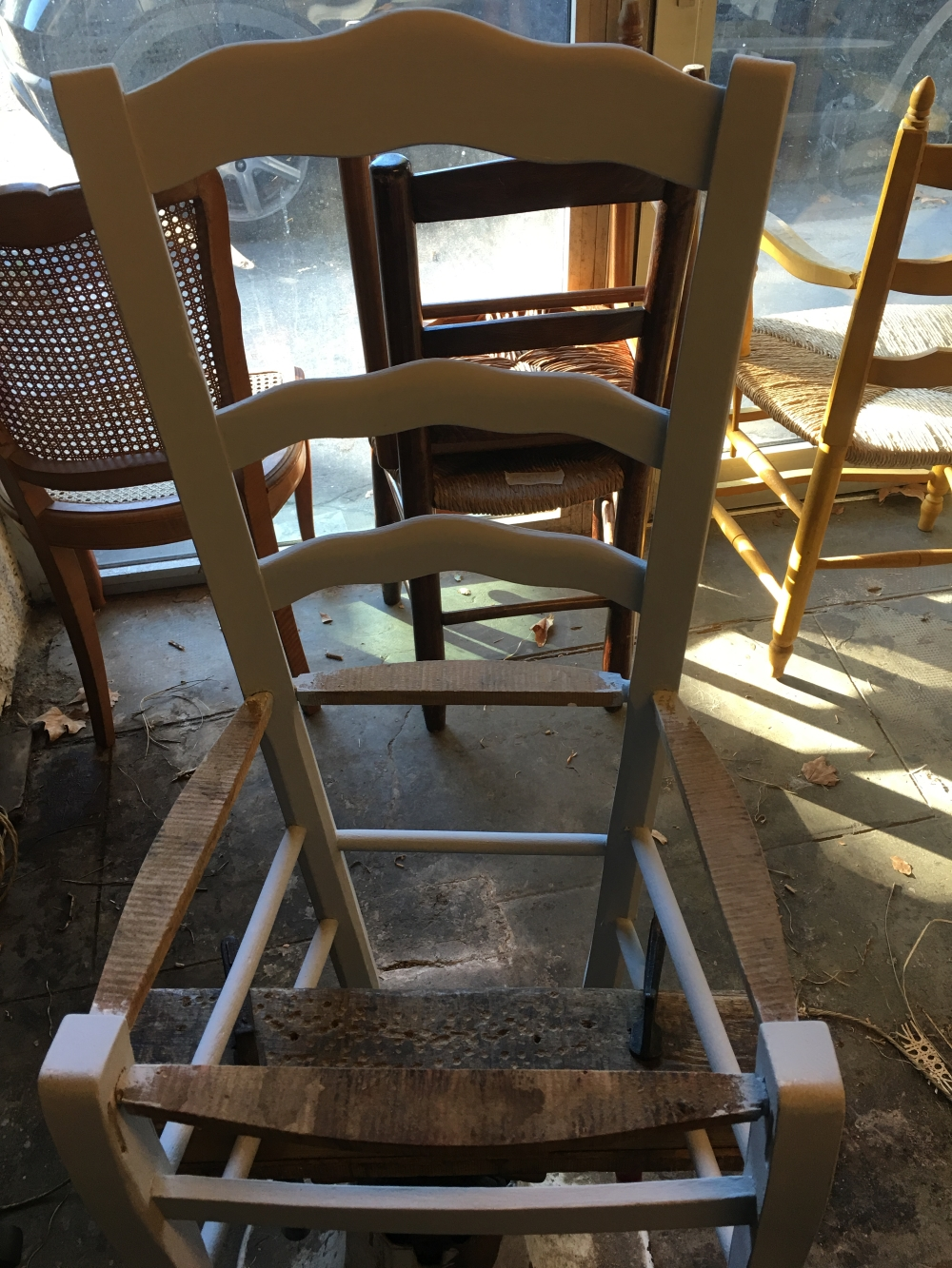 rempaillage cannage de chaise a avignon vaucluse. Black Bedroom Furniture Sets. Home Design Ideas