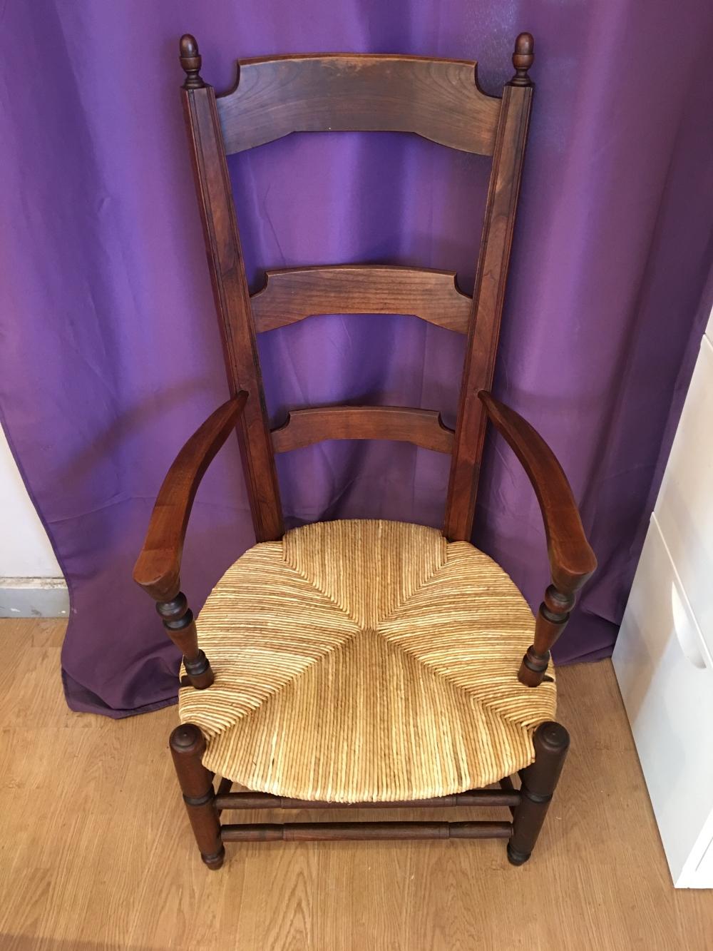 rempailleur de chaise a nimes gard. Black Bedroom Furniture Sets. Home Design Ideas