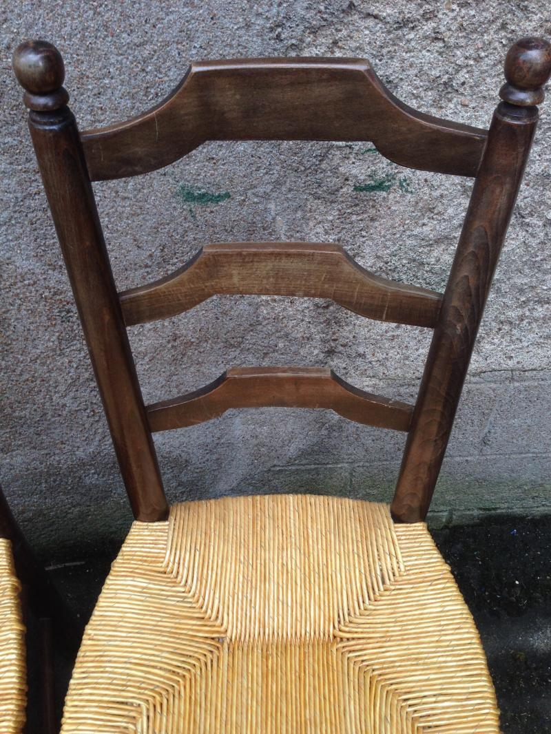 Relooker une chaise ancienne cheap comment relooker une - Chaises modernes pour table ancienne ...