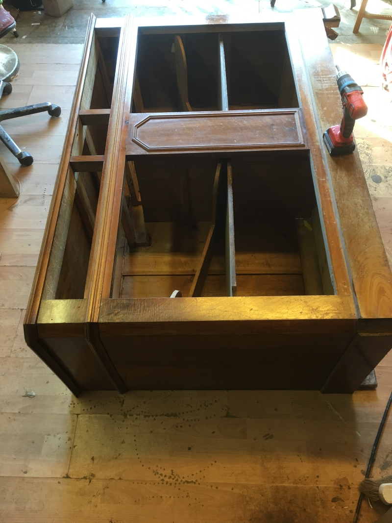 restauration de meuble a nimes. Black Bedroom Furniture Sets. Home Design Ideas