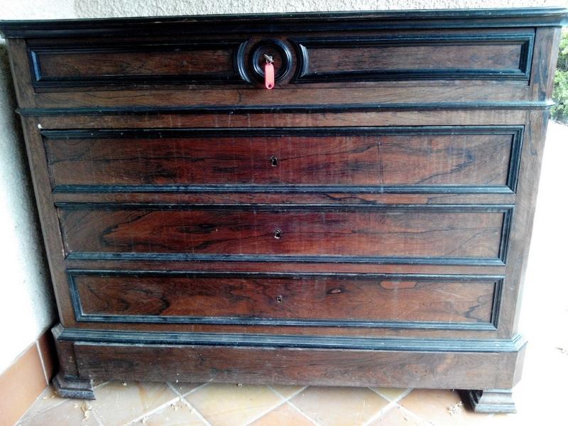 Restauration de meuble a nimes for Cire pour meuble ancien